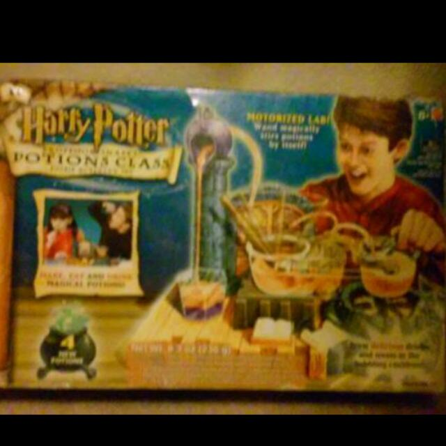 SEALED .. 2002 .. HARRY POTTER .. PROFESSOR SNAPES .. POTION CLASS