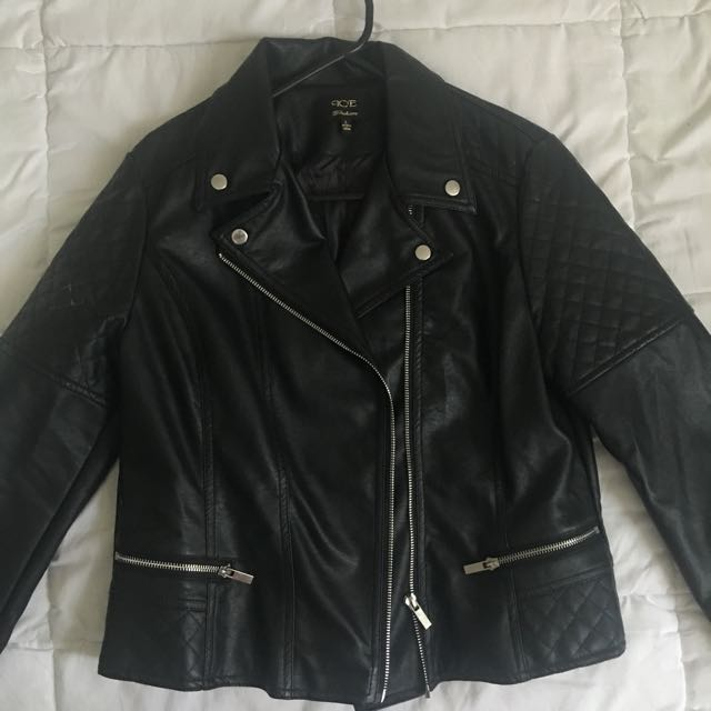 Size L (12-14) Leather Jacket Never Worn