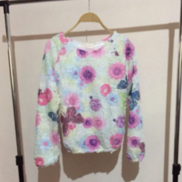 Sweater Bunga