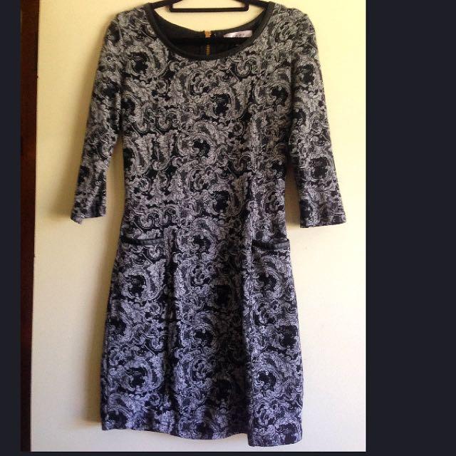 Sz8 Paisley Monochrome Work Dress