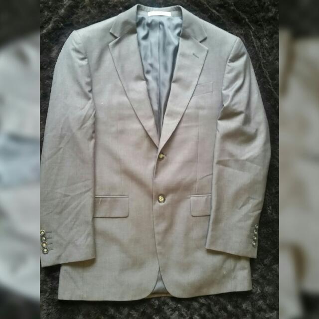 Van Heusen Suit Classic Fit (price Reduced!)
