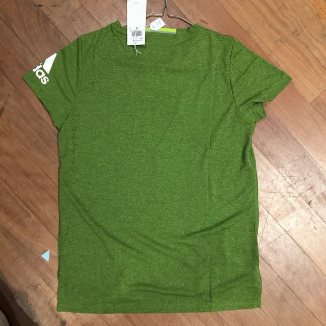 Women's Adidas Tee. Size Small