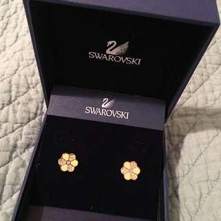 Swarokski Daisy Crystal Earrings