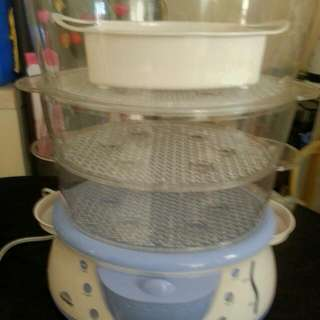 Steamer For Sale  3 Weeks Used Collapsible 3 Layer Very Good Condition  Almost New  Please Call 09367183093 Or 6163069