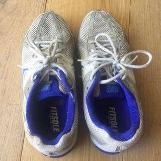 Nikes Size US 7.5