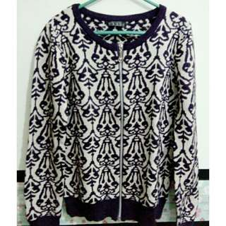 Sweter Knit