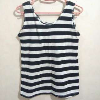 Sleeveless Stripes Top (B&W)