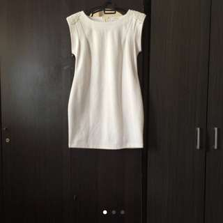 White Dress Labuci