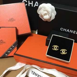 保留待匯Chanel夾式耳環