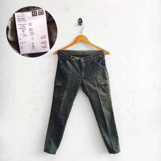 UNIQLO Skinny Cargo Pants