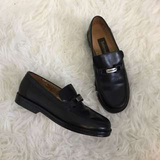 Timerland Black Leather Loafers Size 6
