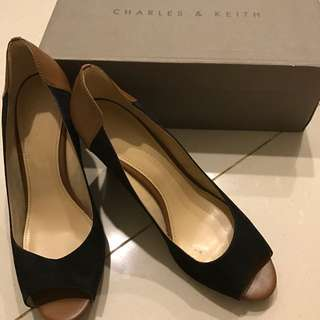 Charles & Keith Wedges/Open Toe/Pump
