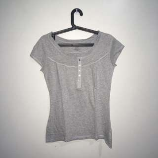 No Boundaries Scoop Neck (Gray)