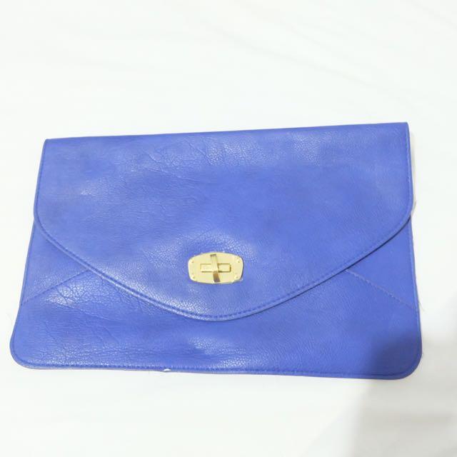 Clutch Biru