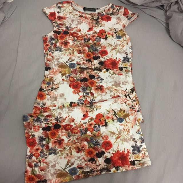 Fitted Floral Dress Size Small