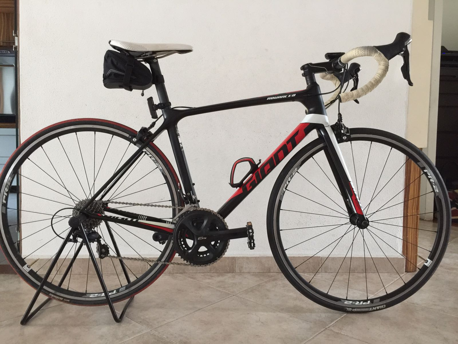 ca9094e5414 Giant TCR Advance 2 2016, Bicycles & PMDs, Bicycles on Carousell