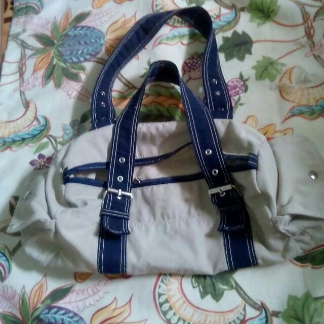 Heartstring Shoulder Bag