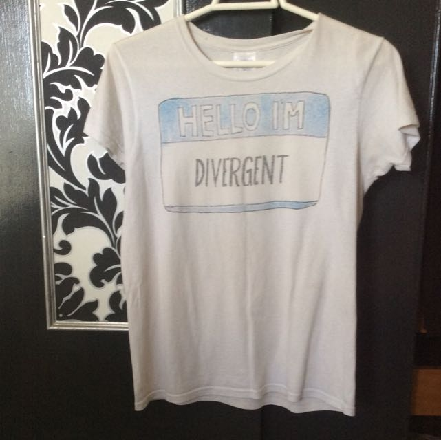 Hello I'm Divergent Size S Shirt