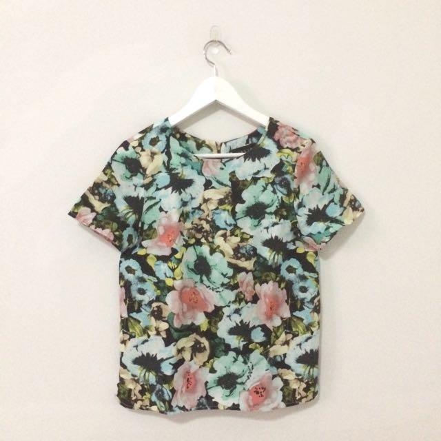 Invio Flowery Top