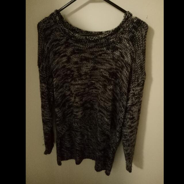 Size S/M Knit Top