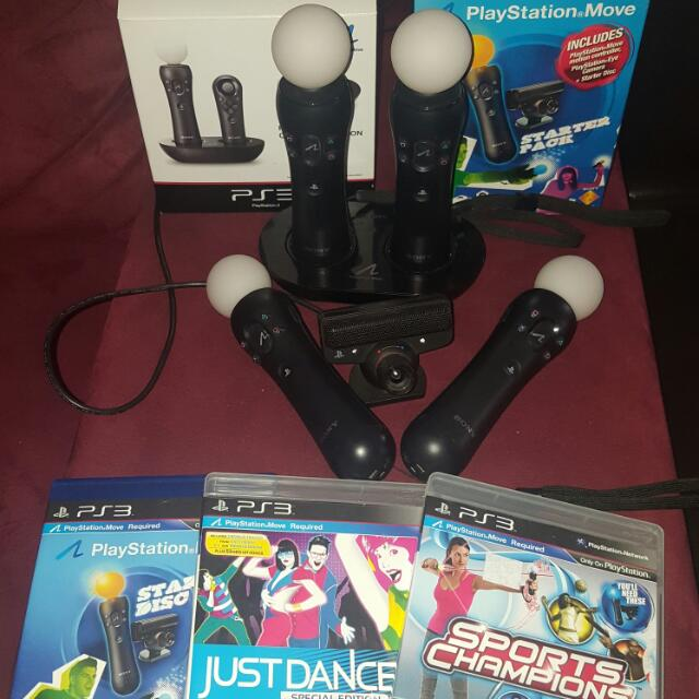PS VR -  4 PLAYSTATION MOVE CONTROLLERS + MOVE CHARGERS + PLAYSTATION EYE