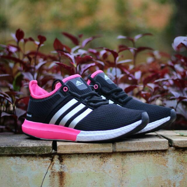 0da6918b8 Sepatu Adidas Boost Wanita, Olshop Fashion, Olshop Wanita on Carousell