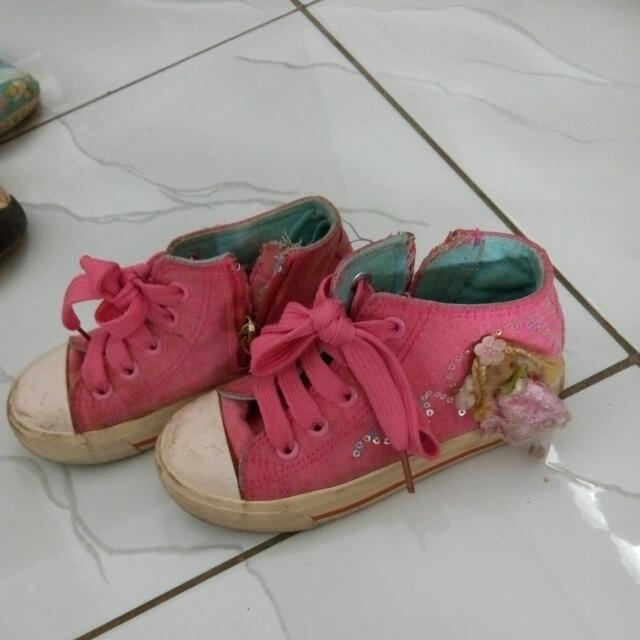Sepatu Austin
