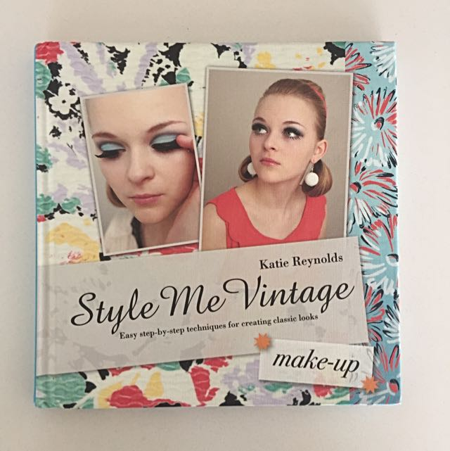 Style Me Vintage Make Up Book