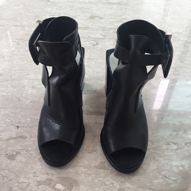 Used Genuine Leather Zara Shoes