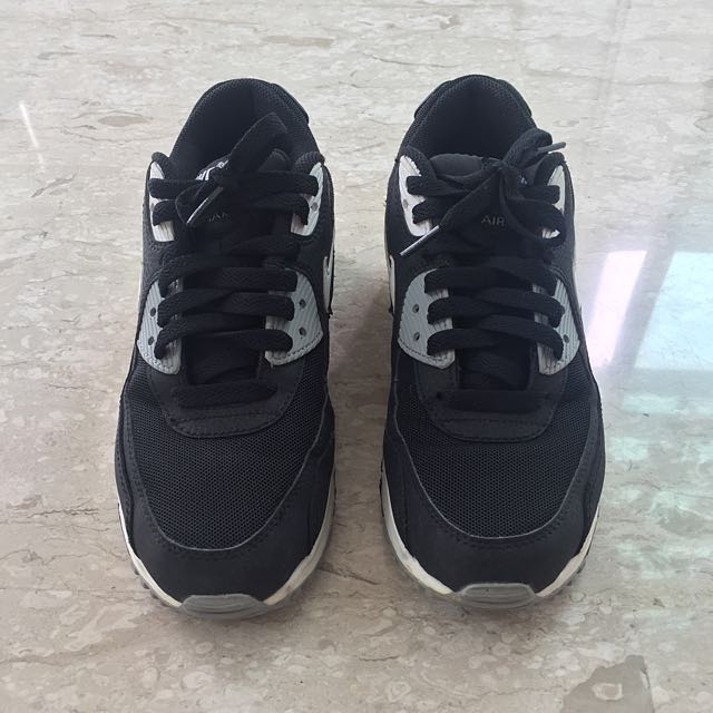 Used Nike Air Max Sneakers