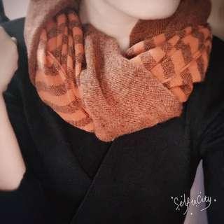 橘色條文 圍巾