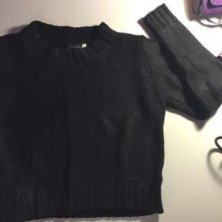 black shiny sweater from H&M ✨
