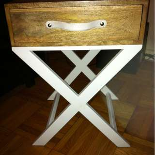 MODER/ZEN SIDE OR ACCENT TABLE WITH A DRAWER