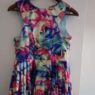 Ladies Floral Size 8 Dress