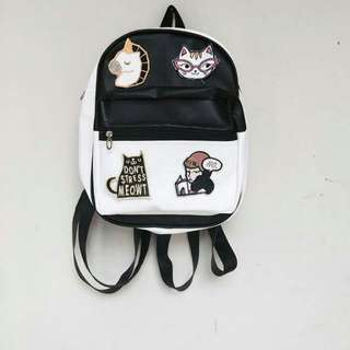 Mini Ransel Patch Black And White
