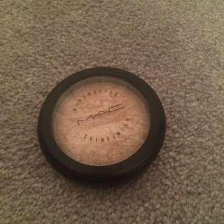 MAC Mineralize Skin Finish in Soft and Gentle