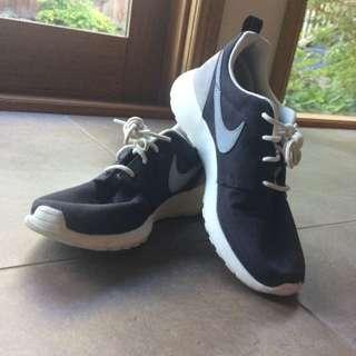 Retro Nike Roshe