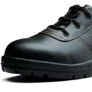 KING'S Safety Shoe (reserved)