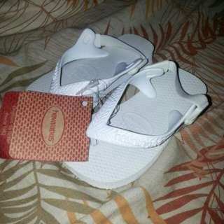 *RESERVED* Authentic HAVAIANAS BABY S21