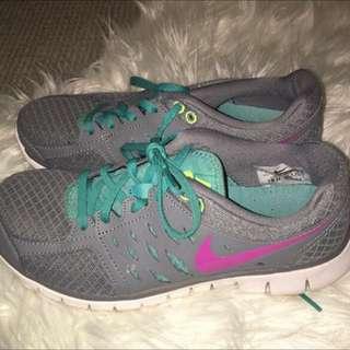 Nike Shoes Size 7.5