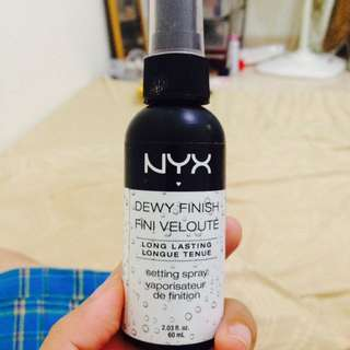 Setting Spray NYX Dewy