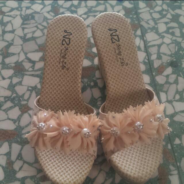 花朵厚底拖鞋