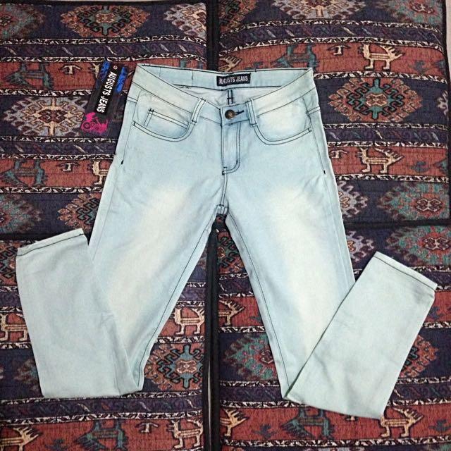 August Jeans pants