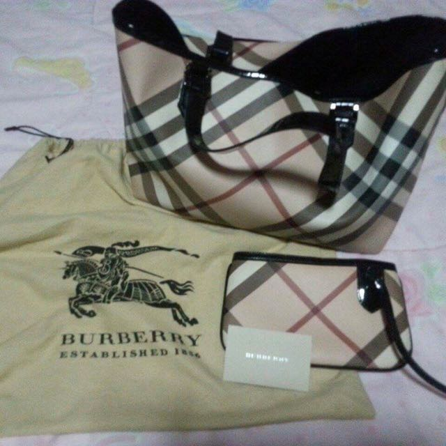 Pre-loved Authentic Burberry Bag & Wristlet