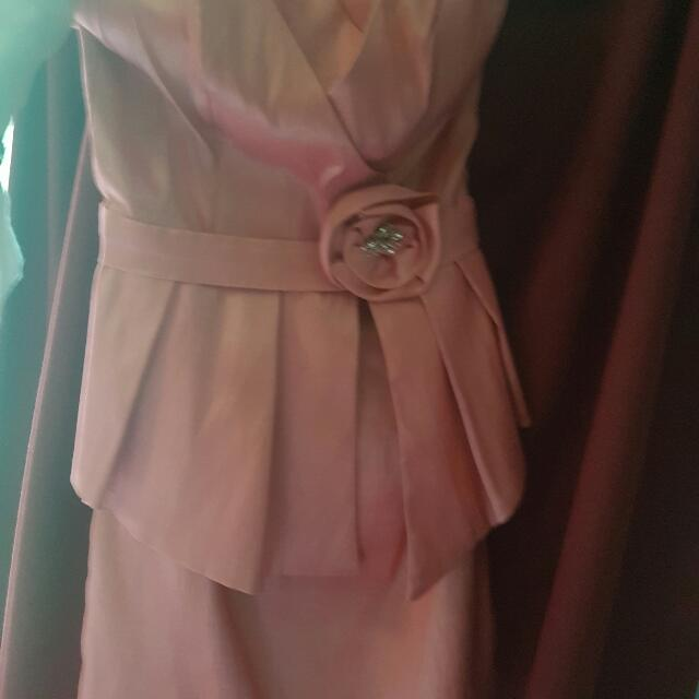 Beautiful Cocktail Dress Size 6 Photo Doesn't Do It justice.  Worn Twice. Ono Paid 80