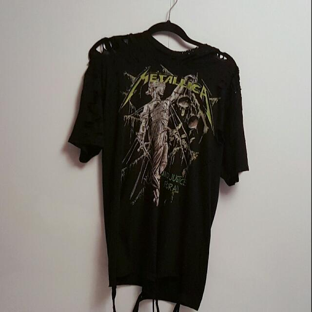 Distressed Metallica t-shirt