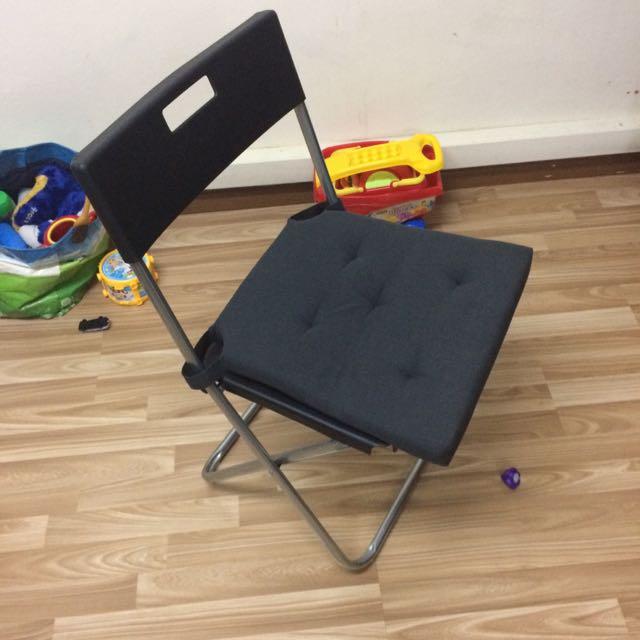 Idea Foldable Chair With Cushion