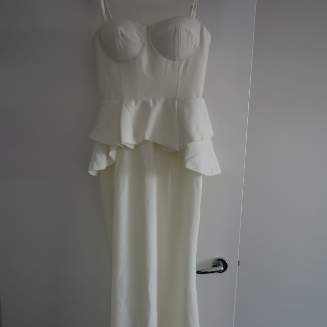 Ladies White Strapless Peplum Dress Size 8
