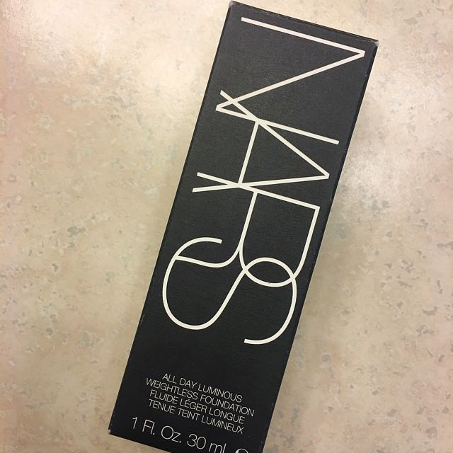 NARS All Day Luminous Foundation Deauville
