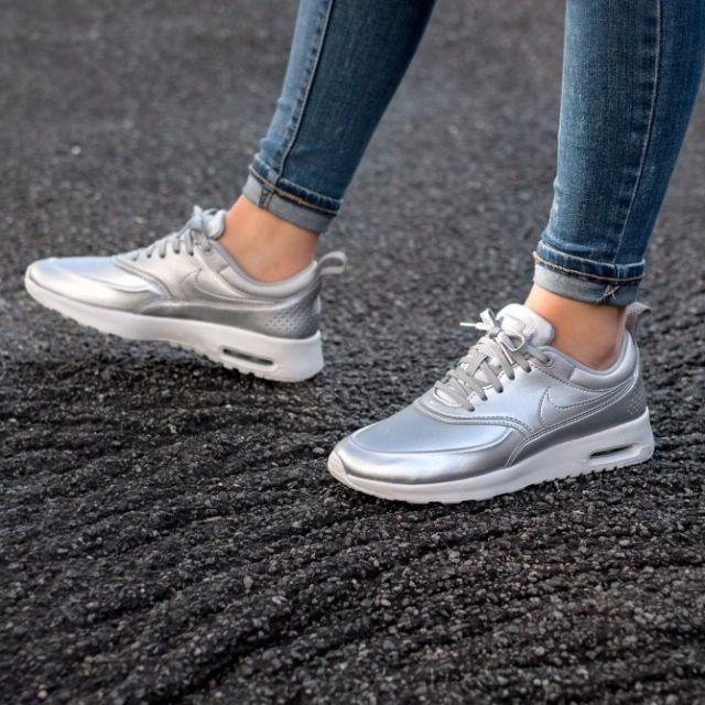 PO) Nike Womens Air Max Thea Metallic